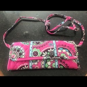 Vera Bradley All in one Crossbody.  Excellent